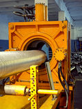 Corrugación del metal que forma la máquina. Imágenes de archivo libres de regalías