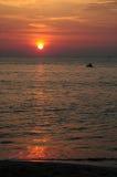 Corsa con gli sci del jet al tramonto Fotografia Stock Libera da Diritti