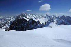 Corsa con gli sci dell'alta montagna Fotografia Stock