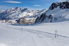 Corsa con gli sci della montagna - ` Aosta, Cervinia dell'Italia, Valle d Fotografia Stock Libera da Diritti