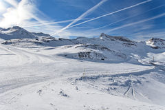 Corsa con gli sci della montagna - ` Aosta, Cervinia dell'Italia, Valle d Immagini Stock