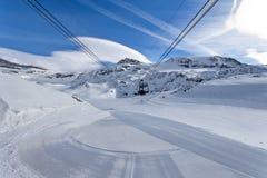 Corsa con gli sci della montagna - d& x27 di Rose Italy Valle del plateau; Aosta Cervinia Immagini Stock