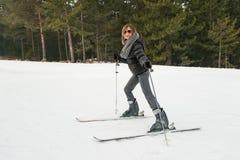 Corsa con gli sci della ragazza Immagine Stock Libera da Diritti