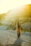 Corsa con gli sci della ragazza di estate calda Immagini Stock Libere da Diritti