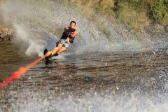 Corsa con gli sci di acqua nel parker Arizona Fotografia Stock