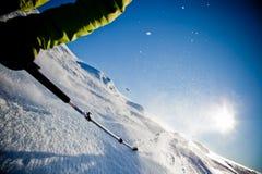 Corsa con gli sci di Freeride fotografia stock libera da diritti