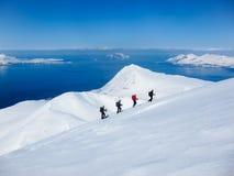 Corsa con gli sci di Randonee in Lyngen, Norvegia Fotografie Stock Libere da Diritti