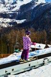 Corsa con gli sci e seggiovie in alpi svizzere Fotografie Stock Libere da Diritti