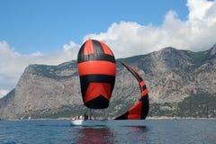 Corsa degli yacht di navigazione Fotografia Stock Libera da Diritti