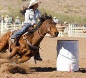 Corsa del barilotto del rodeo Fotografie Stock Libere da Diritti