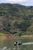 Corsa del fiume di Yangtze del crogiolo di tassì dell'acqua di Peapod, Cina Immagini Stock Libere da Diritti