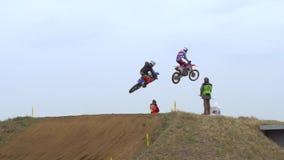 Corsa del motocross di sport dei motocicli stock footage