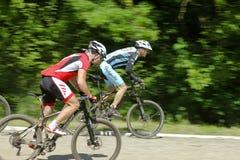 Corsa del mountain bike Fotografie Stock Libere da Diritti