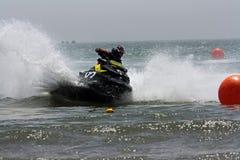 Corsa dell'acquascooter Fotografia Stock Libera da Diritti