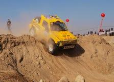 Corsa di automobile del deserto Fotografia Stock