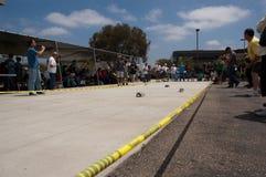 Corsa di automobili solare al Finishline Fotografia Stock