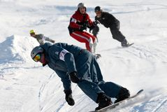 Corsa estrema di snowboard immagini stock libere da diritti