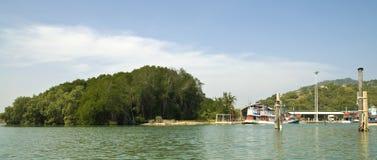 Corsa in isola tailandese in barca immagine stock
