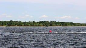Corsa sugli acquascooter