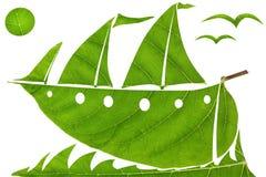 Corsa verde dell'yacht di navigazione Immagini Stock