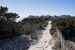 Corsica, Bonifacio, linia horyzontu, cytadela, stara grodzka cieśnina Bonifacio, Śródziemnomorska, wapień, faleza, skały, Bouches Fotografia Royalty Free