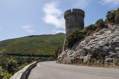 Corsica, nakrętka Corse, wierza Losse, wierza l ` Osse, Haute Corse, genueńczyka wierza, Francja, Europa, wyspa, wijąca droga Zdjęcia Royalty Free