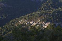 Corsicaans dorp in de berg Stock Foto
