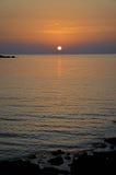 Corsicaanse Zonsondergang bij het strand stock foto's