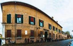 Corso Ercole I di Este en Ferrara, Italia imagen de archivo