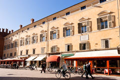 Corso Martiri della Liberta在费拉拉,意大利 库存图片