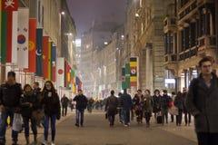 Corso Vittorio Emanuele en Milano imágenes de archivo libres de regalías