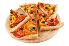 Cortado de la pizza vegetal fotografía de archivo libre de regalías