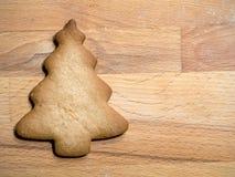 Cortador da cookie do metal da árvore de Natal fotografia de stock
