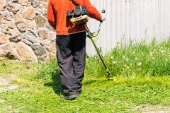 Cortador de grama de sega da grama à mão Imagem de Stock Royalty Free