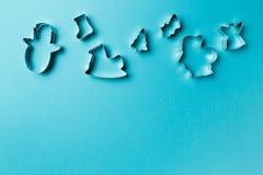Cortador de la forma de las galletas de la Navidad diverso imagen de archivo libre de regalías