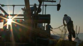 Cortador de la pesca almacen de metraje de vídeo