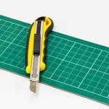 Cortador de papel del cuchillo Fotografía de archivo libre de regalías