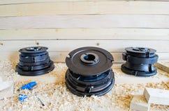 Cortadores ajustados para a indústria do woodworking Cortadores para as portas e as janelas de madeira fotos de stock royalty free