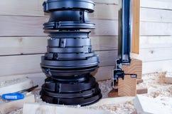 Cortadores ajustados para a indústria do woodworking Cortadores para as portas e as janelas de madeira fotografia de stock