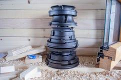 Cortadores ajustados para a indústria do woodworking Cortadores para as portas e as janelas de madeira imagens de stock royalty free