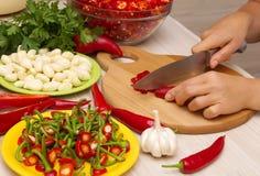 Cortar la pimienta de chile rojo Imagen de archivo