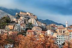 Corte,山的一个美丽的城市在Corsic海岛上  免版税图库摄影