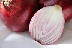 Corte a cebola. Fotos de Stock