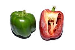 Corte da pimenta de Gren e da pimenta vermelha Foto de Stock Royalty Free