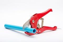 Corte da tubulação do PVC e tubulação do PVC Fotografia de Stock