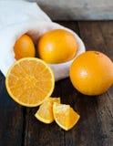 Corte das laranjas Fotografia de Stock