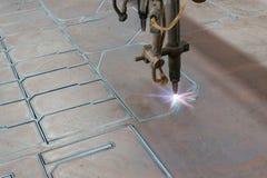 Corte de acero de la máquina del CNC Fotografía de archivo libre de regalías