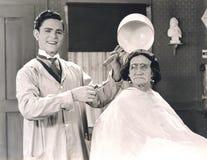 Corte de cabelo da bacia foto de stock