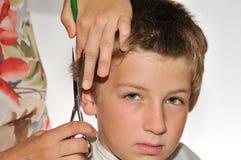 Corte de cabelo das crianças Fotografia de Stock Royalty Free