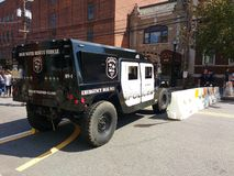 Corte de estrada, estilo militar HV-1 Hummer, Rutherford Police Emergency Vehicle Fotografia de Stock Royalty Free